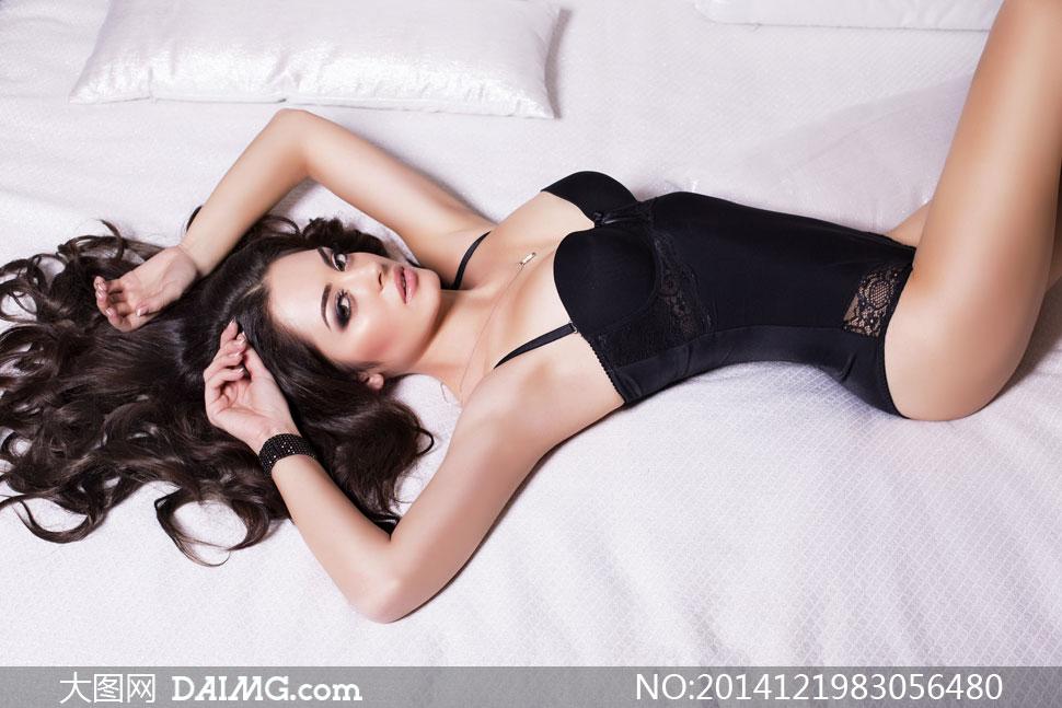 内衣装扮美女模特人物摄影高清图片