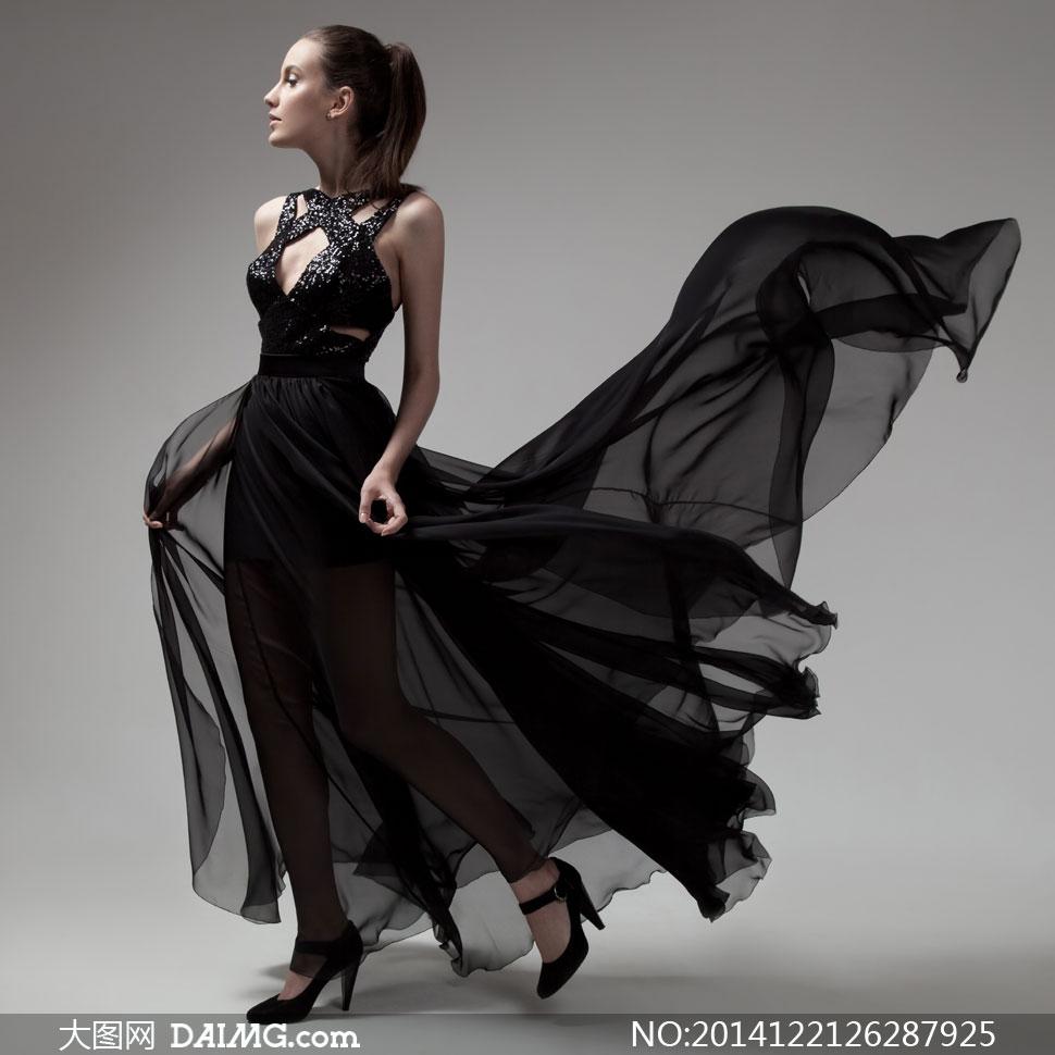 女王的裙摆txt书包_裙摆飞扬的透视装美女摄影高清图片