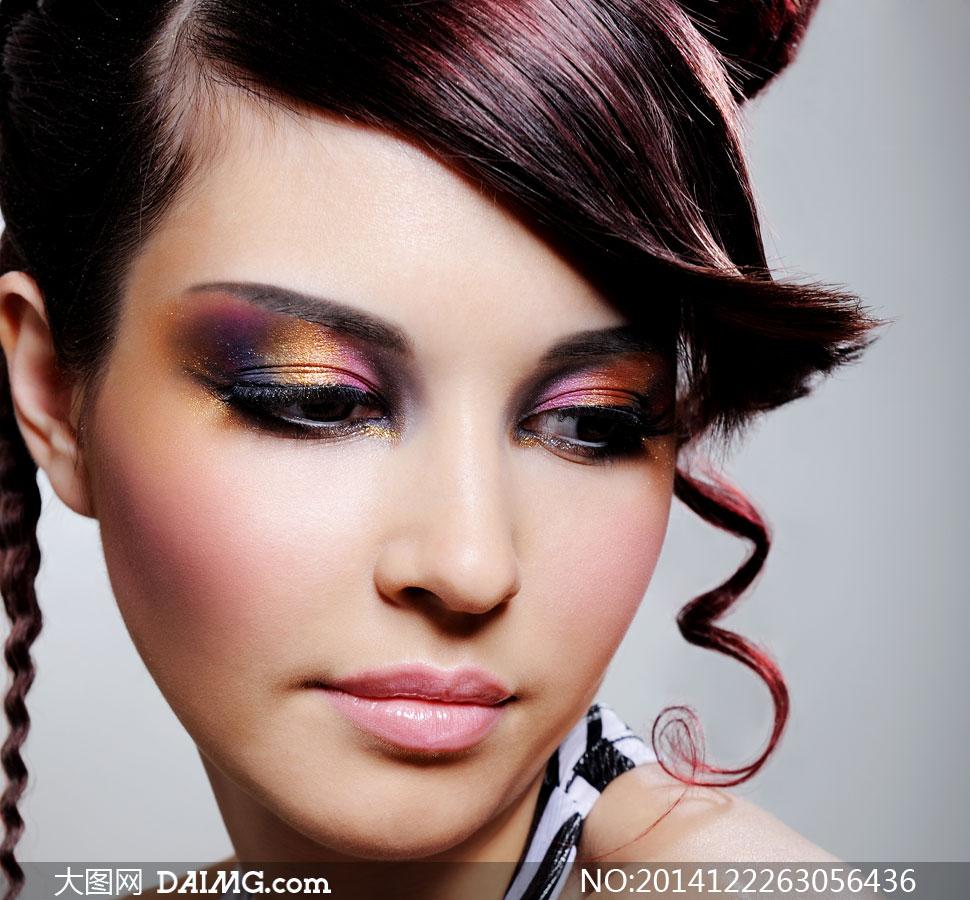彩妆美女人物近景特写摄影高清图片