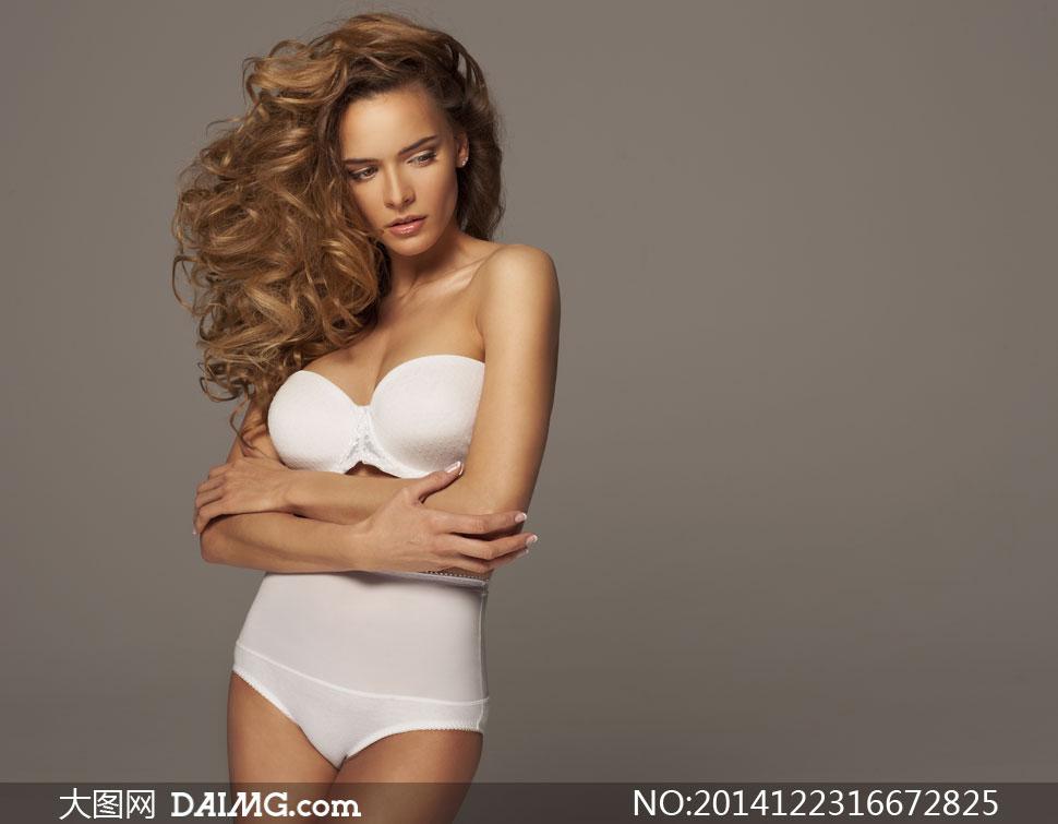 白色内衣美女模特写真摄影高清图片