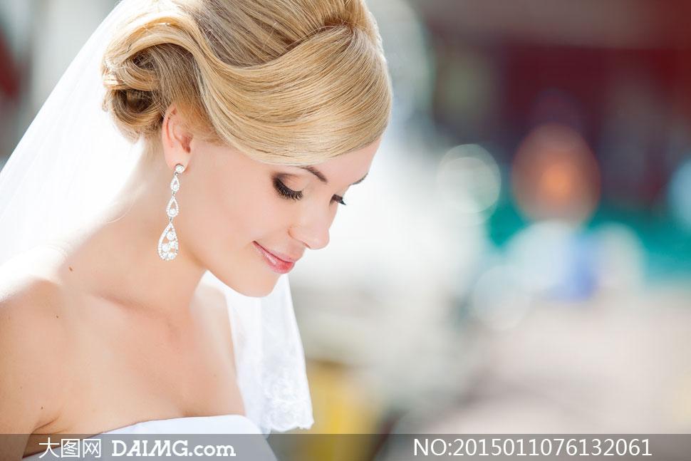 关键词: 高清摄影大图图片素材人物美女女人女性新娘近景特写微距