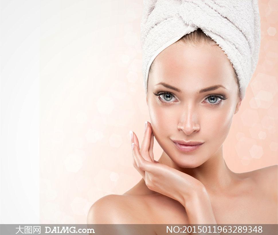 沐浴后的美女人物摄影高清图片