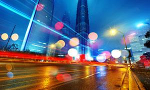 城市摩天大楼道路夜景摄影高清图片