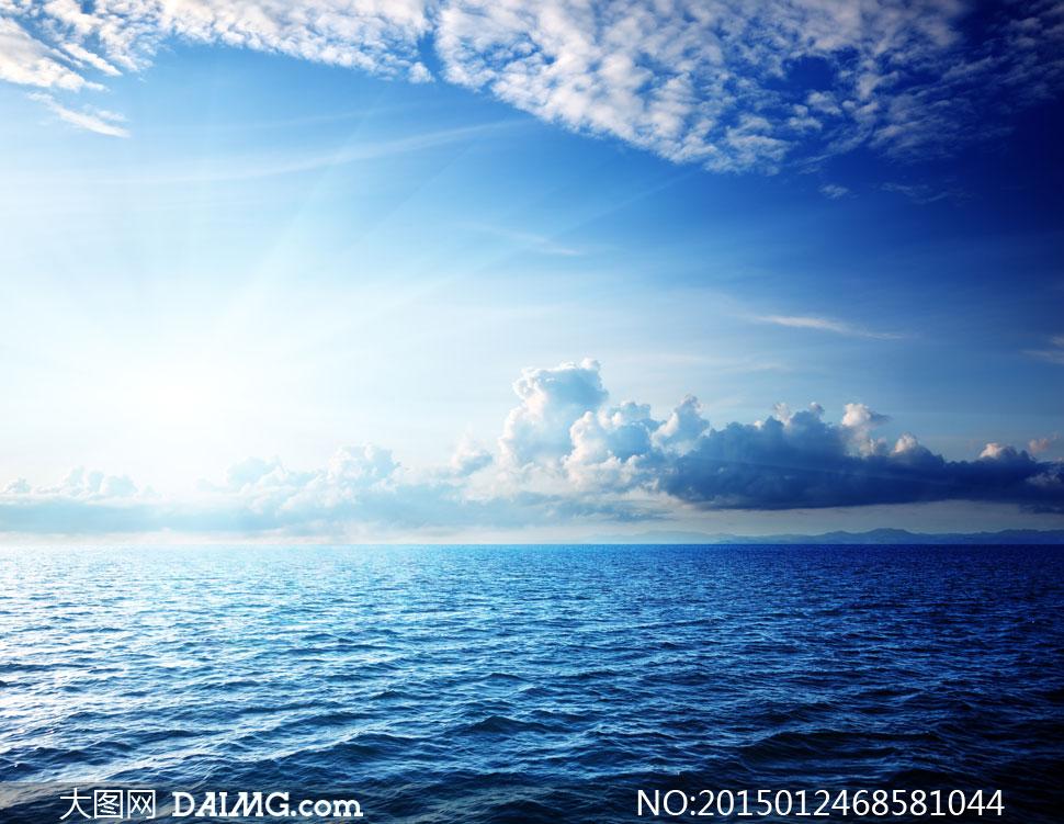 蓝天白云海水自然风景摄影高清图片