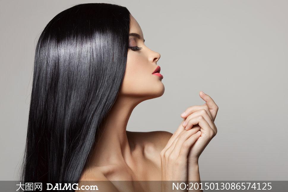 头发披肩发披肩长发侧面眼妆唇妆红唇露肩黑发顺滑