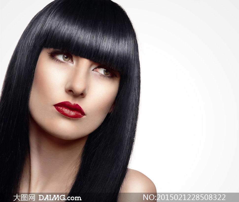 齐刘海儿黑发红唇美女摄影高清图片