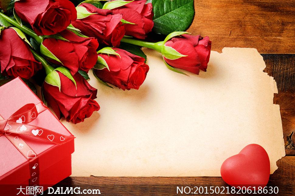 玫瑰玫瑰花花朵鲜花礼物盒心形桃心纸张怀旧丝带缎带
