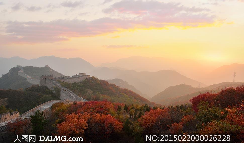 北京红叶岭长城晨曦风光摄影图片图片