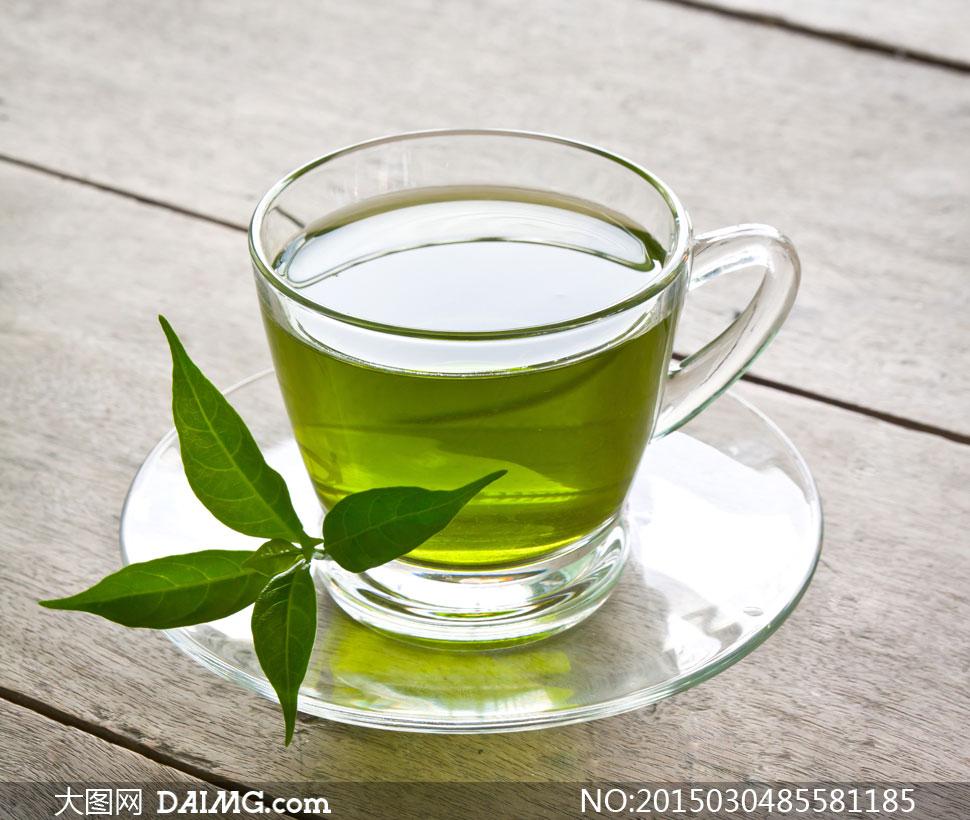 装着清新绿茶的玻璃杯摄影高清图片 - 大图网设计素材