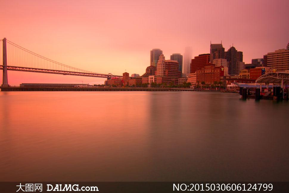 关键词: 高清大图图片素材摄影风景风光城市建筑物楼房大楼高楼大桥