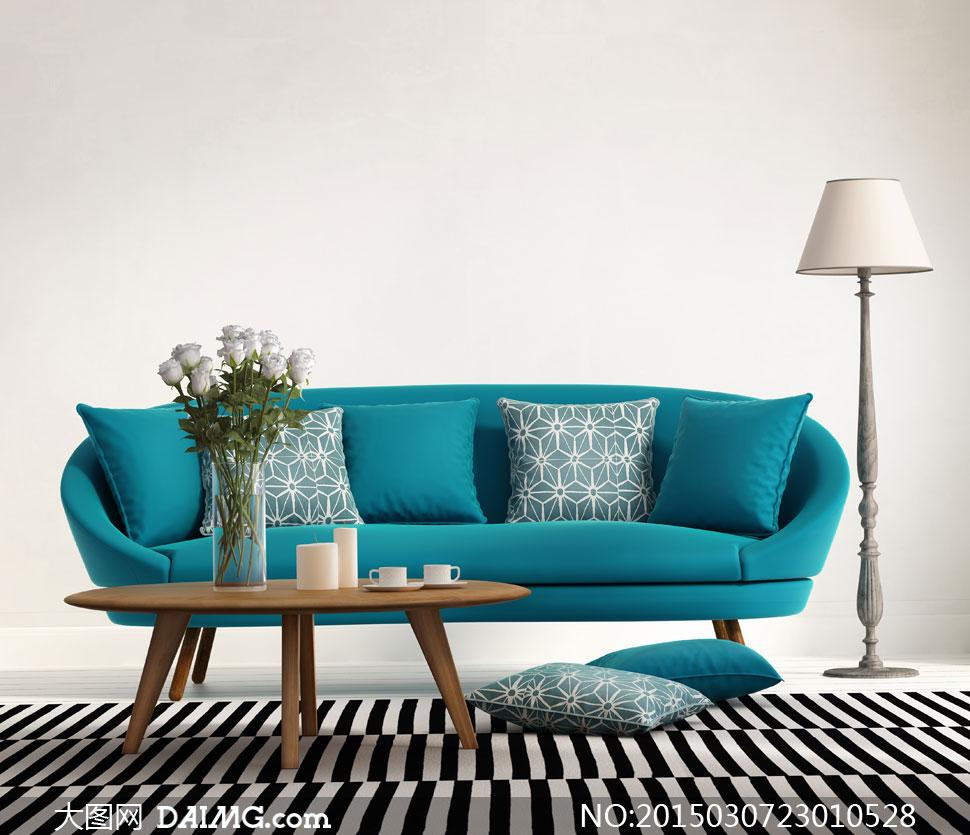 落地灯与沙发枕头茶几摄影高清图片