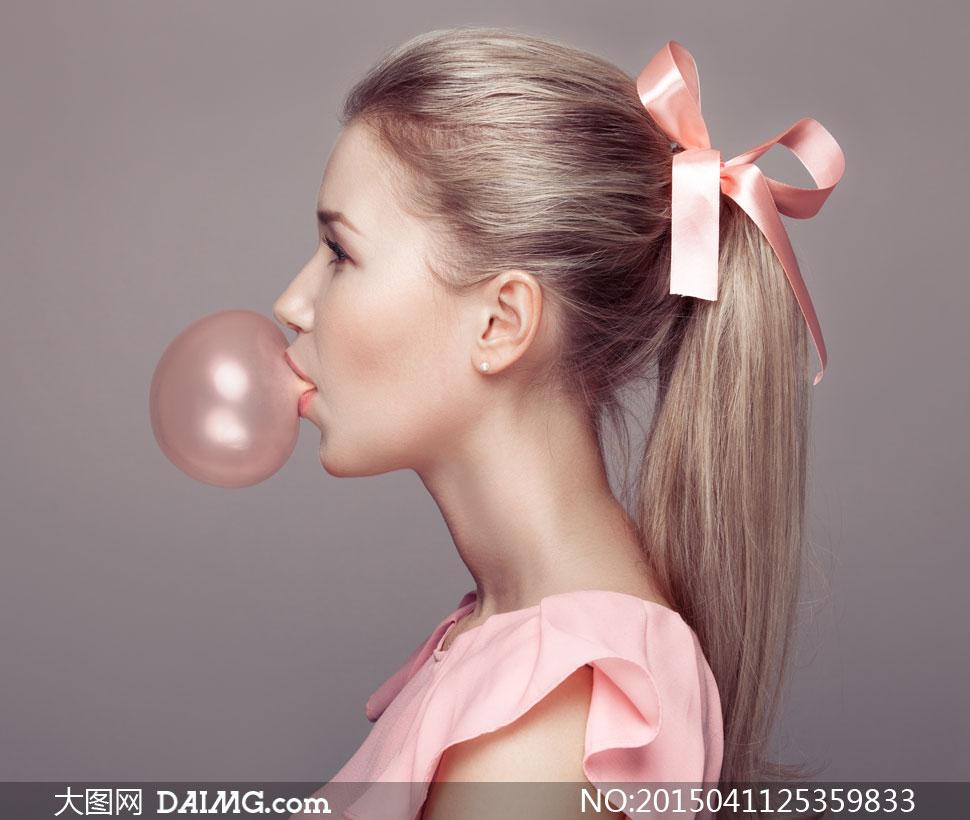 关键词: 高清大图图片素材摄影人物美女女人女性模特丝带马尾辫泡泡