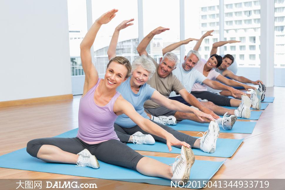 动作整齐划一瑜伽人物摄影高清图片