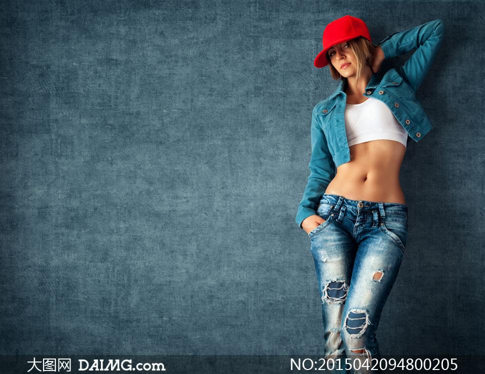 戴红帽子的牛仔装美女摄影高清图片 大图网设