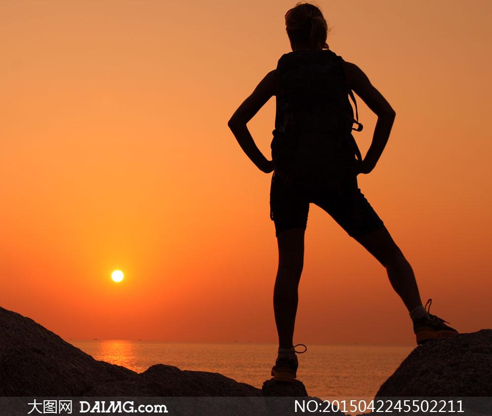 关键词: 高清大图图片素材摄影人物体育运动女人女性美女背影剪影