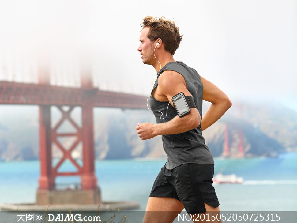 关键词: 高清摄影大图图片素材自然风景风光体育运动跑步无袖侧面