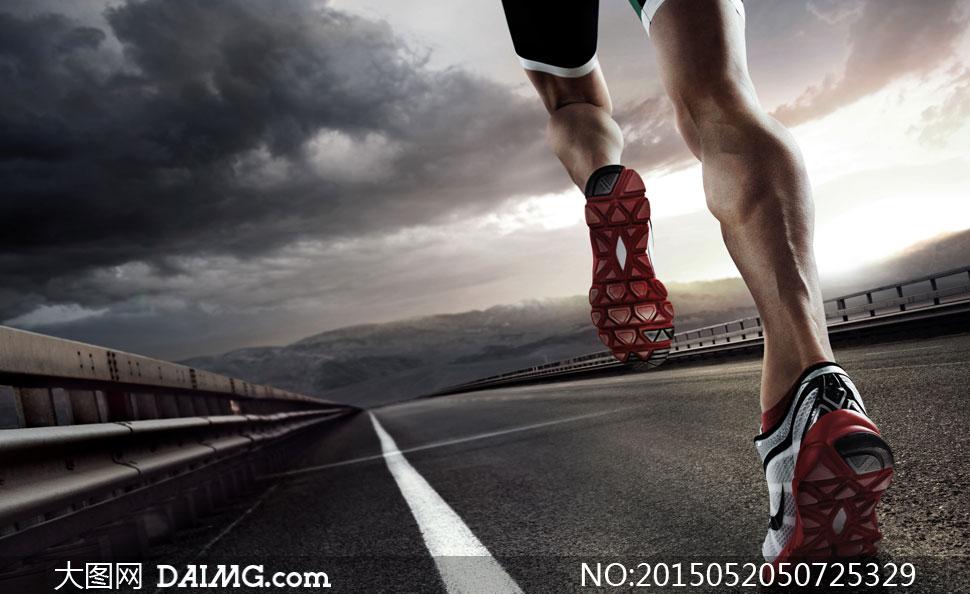 高清图片 体育运动 > 素材信息          水边在跑步的美女背影摄影