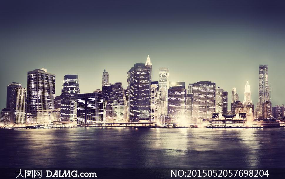 夜晚城市建筑物与倒影摄影高清图片图片