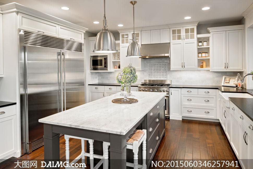 欧式厨房灯光照明内景摄影高清图片