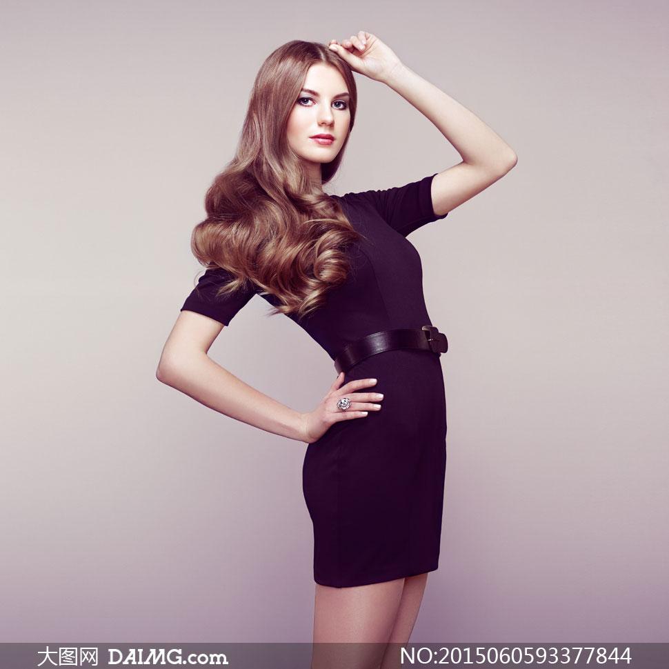 穿美女高清的美女模特v美女图片裙装深色受杖古代图片