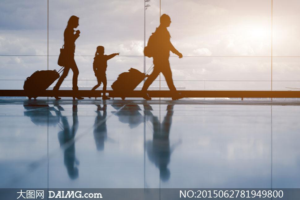 关键词: 高清大图图片素材摄影飞机机场旅行旅游出发度假人物剪影