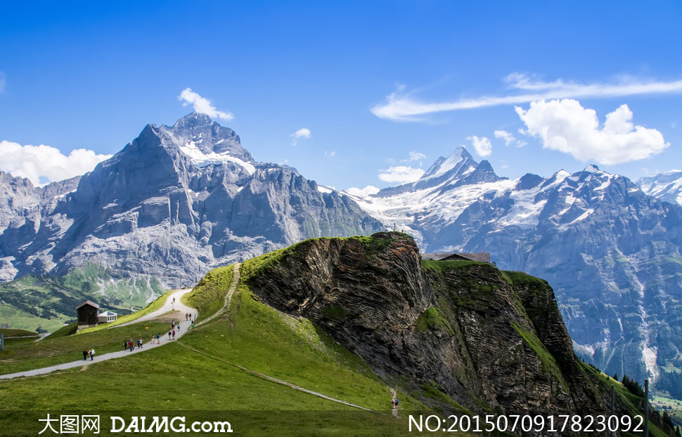 蓝天白云雪山自然风景摄影高清图片