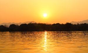 唯美的西湖日落美景摄影图片