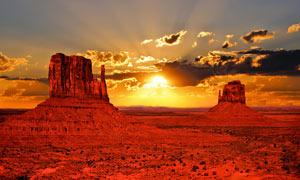 荒漠唯美的日出景色摄影图片
