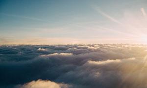 在云层之上的壮阔风光摄影高清图片