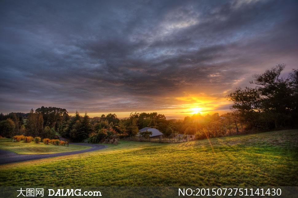 关键词: 高清大图图片素材摄影自然风景风光天空云彩云层多云阳光