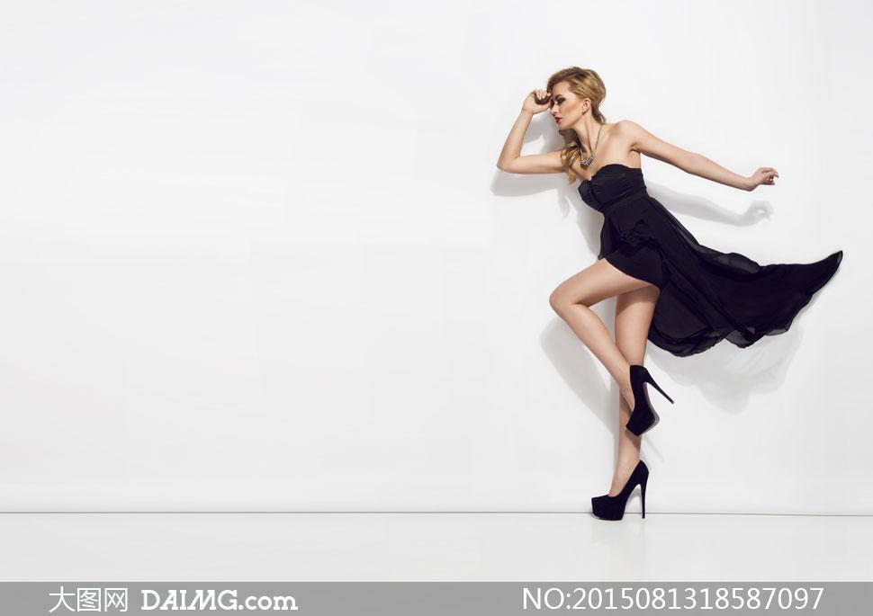 长裙裙装裙子高跟鞋侧面图片