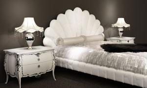 黑白色调卧室内景陈设摄影高清图片