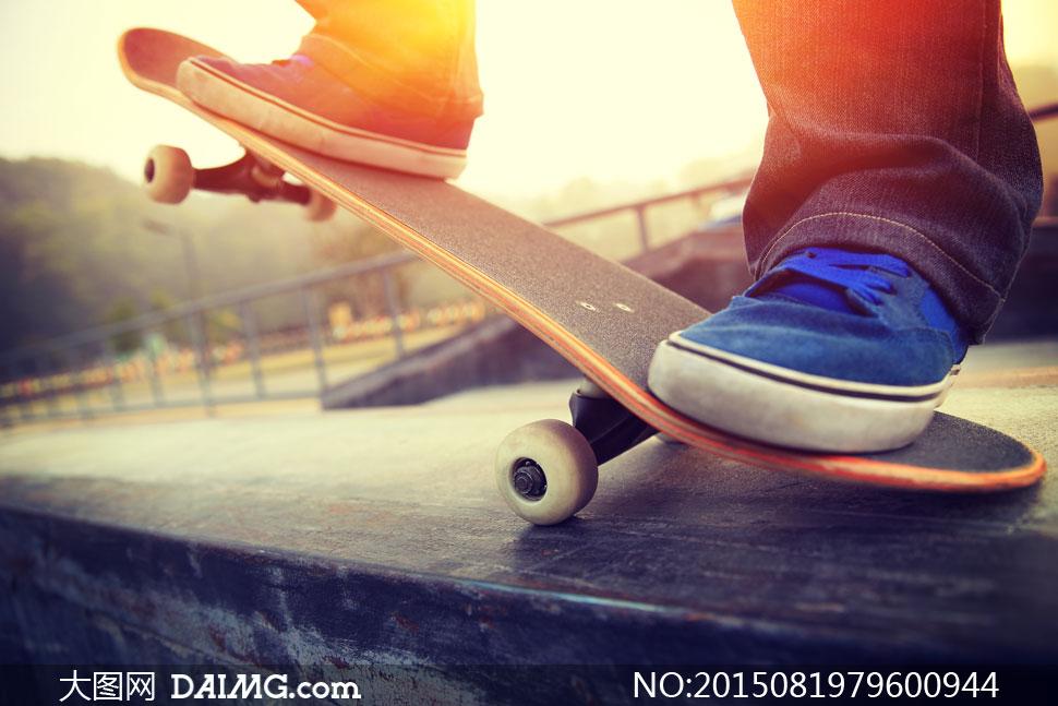 滑板运动男子人物逆光摄影高清图片