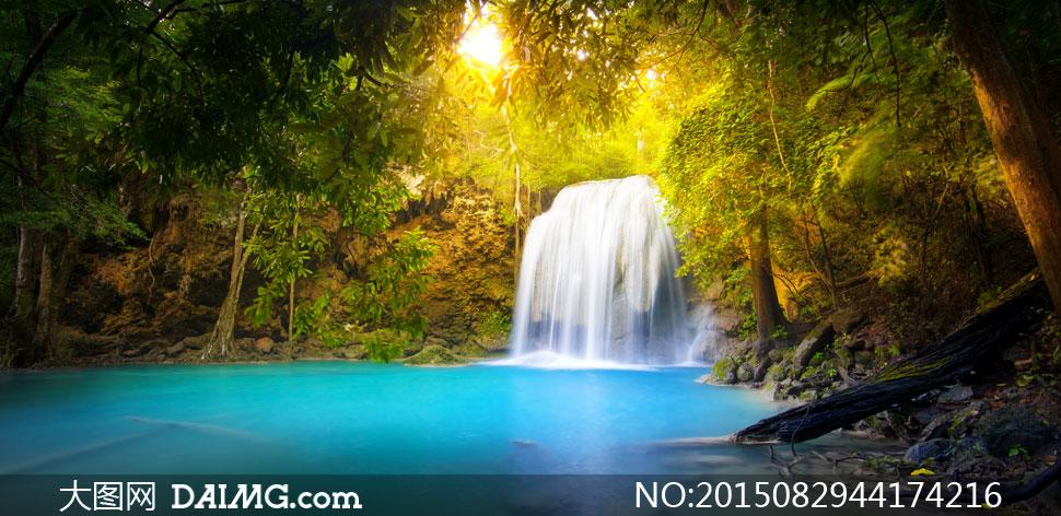 关键词: 高清大图图片素材摄影自然风景风光树木瀑布潭水大树绿叶