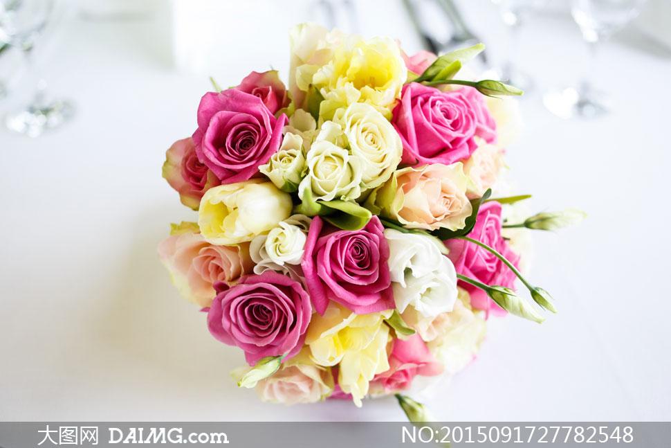 关键词: 高清大图图片素材摄影近景特写微距鲜花花朵花束玫瑰花粉红