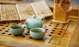 中国传统茶具和茶水摄影图片