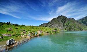唯美的新疆天池摄影图片