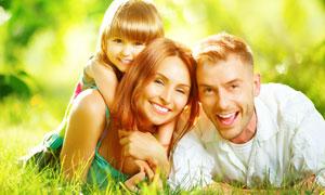 开心幸福三口之家人物摄影高清图片