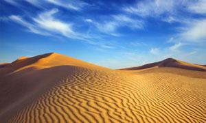 蓝天白云沙丘自然风光摄影高清图片