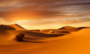 黄昏云彩晚霞沙漠风光摄影高清图片