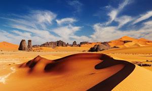 蓝天白云沙漠沙丘风景摄影高清图片