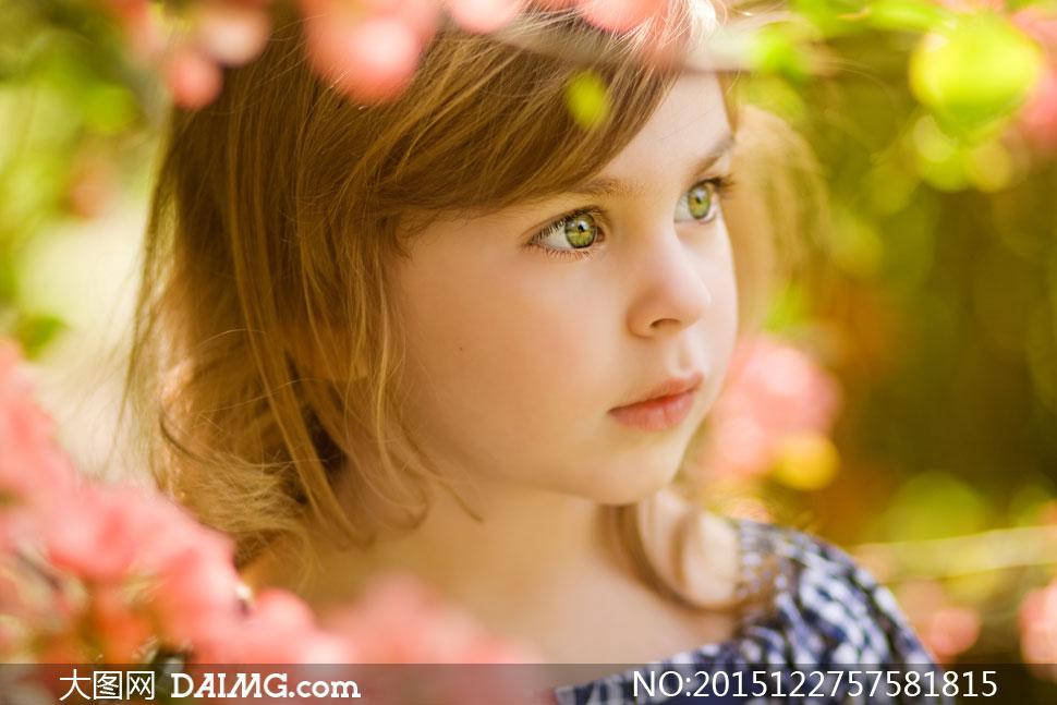可爱大眼睛小女孩特写摄影高清图片