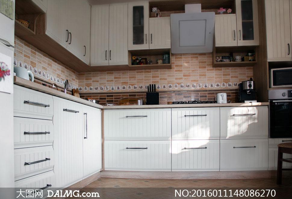 欧式厨房内景陈设布置摄影高清图片