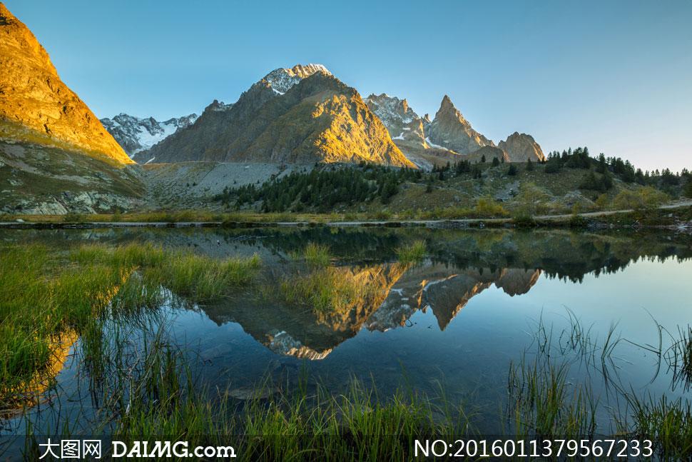 词: 高清大图图片素材摄影自然风景风光大山山峰山峦山岭山林树木大树