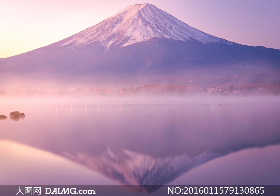 关 键 词: 高清大图图片素材摄影自然风景风光大山高山山峰山野倒影