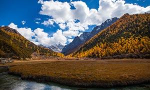 秋季稻城雪山美景摄影图片