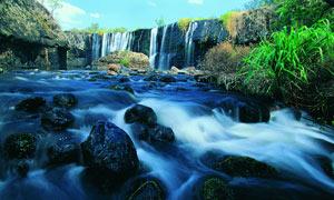 野外瀑布和溪流摄影图片