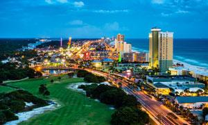 海边的城市建筑群夜景摄影高清图片