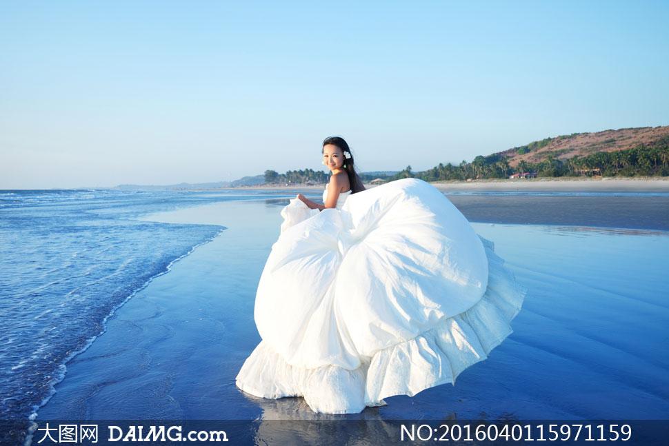 关 键 词: 高清大图图片素材摄影自然风景风光蓝天天空人物美女女性