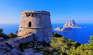 海边堡垒与海天一色的风景高清图片